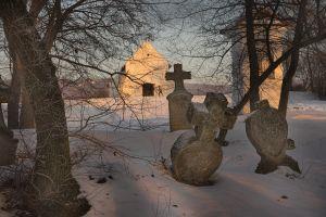 Bozzainé Jandó Zsuzsanna: Délután az Ó-temetőnél