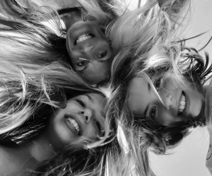 Cseke Zsuzsa : Három mosoly