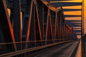 Vadász Péter: Napfény híd