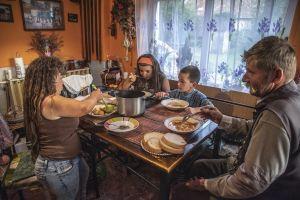 Jenei Boldizsár: A Sáfián család (sorozat)