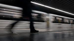 Faragó Éva: Életünk a metrón át