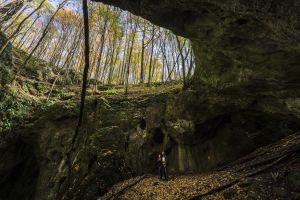 Vanik Zoltán: Udvar-kő-barlang